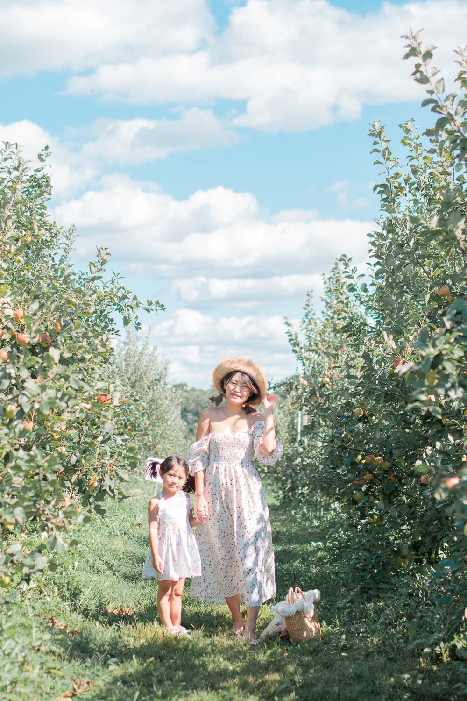 apple orchard photo shoot