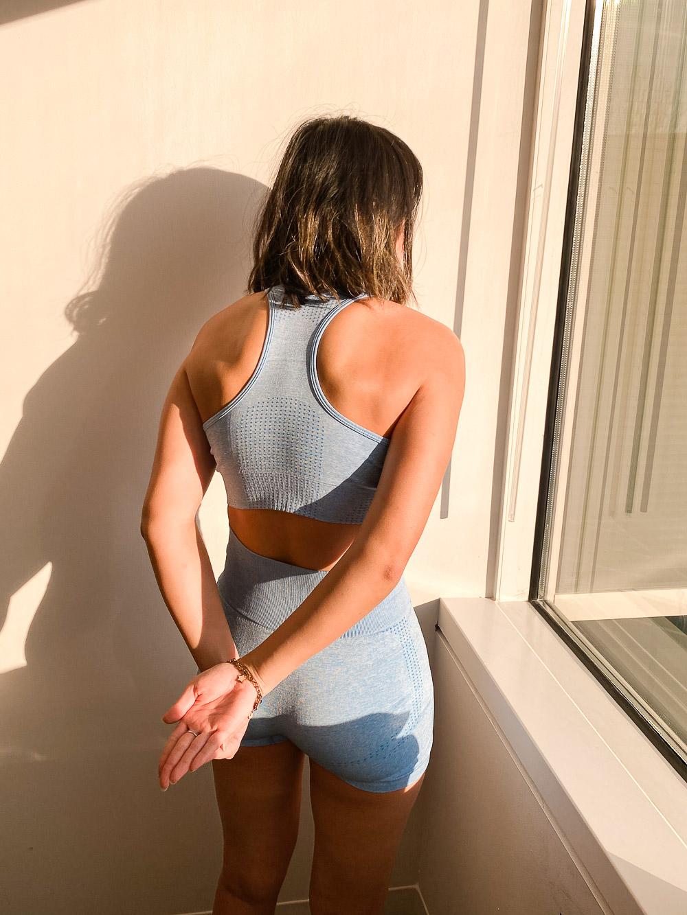 90 degree shoulder workout reverse arm lift