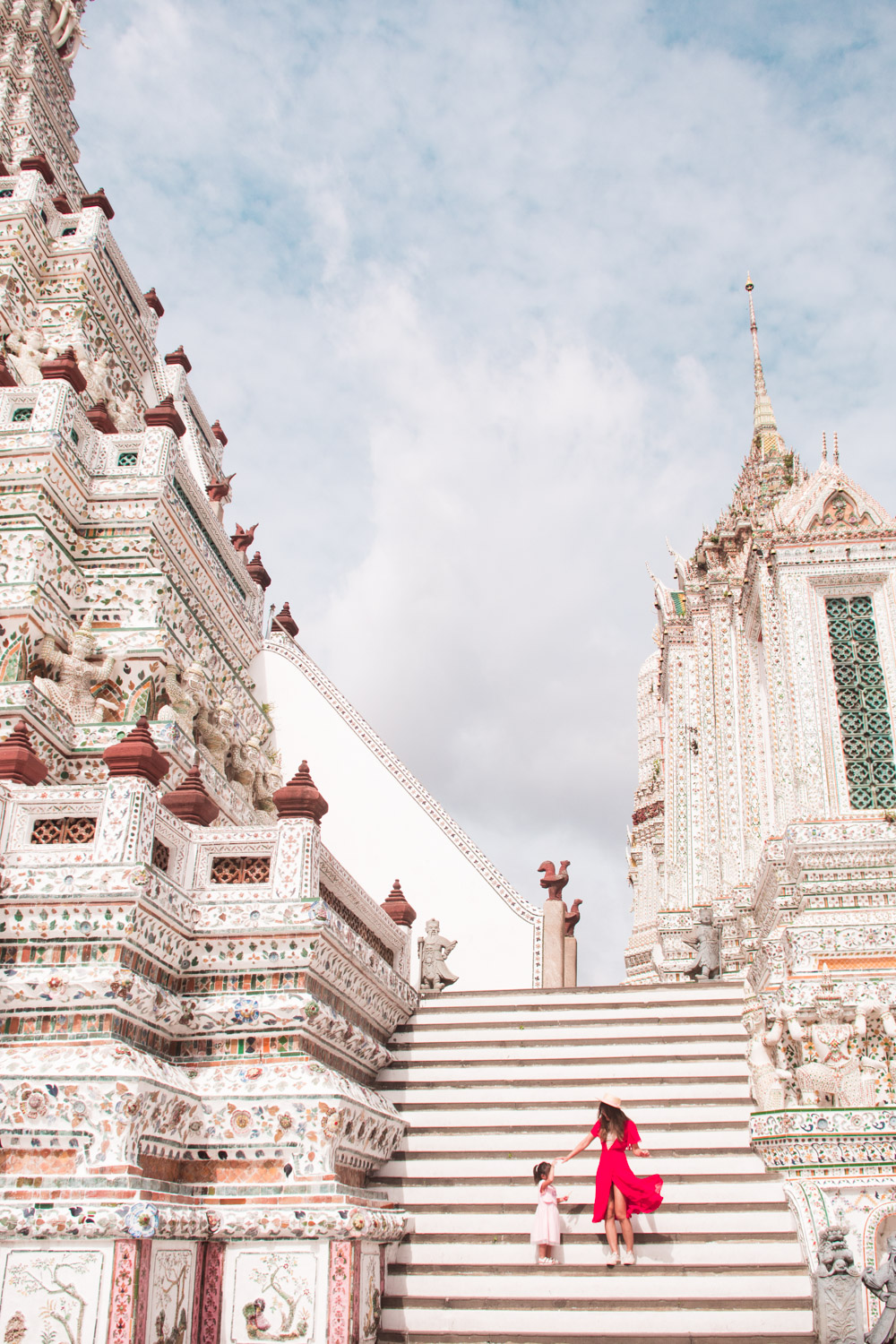 wat arun with kids in thailand