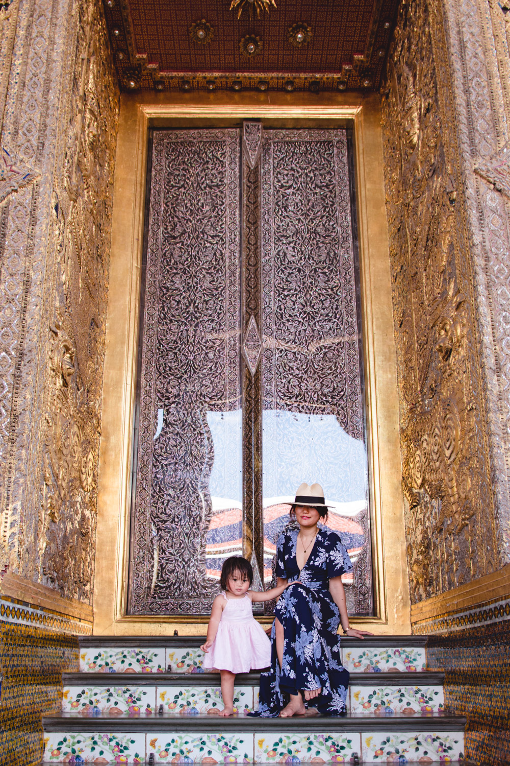 what to wear to the grand palace thailand with kids